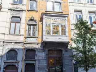 Property One vous propose une magnifique maison de Maître idéalement située dans le quartier du Parvis Saint Gilles et à pr