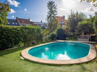 Property One votre partenaire immobilier à Uccle vous propose une spacieuse maison située à proximité des écoles, d