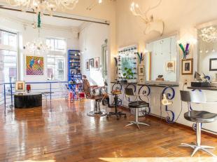 Property One vous propose un magnifique espace commercial dans le quartier très prisé du Sablon et à seulement une rue de la plac