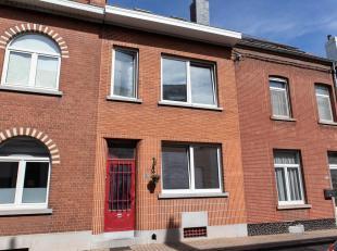 Property One vous propose une maison unifamiliale idéalement située en bordure de Bruxelles dans un environnement calme à proximi