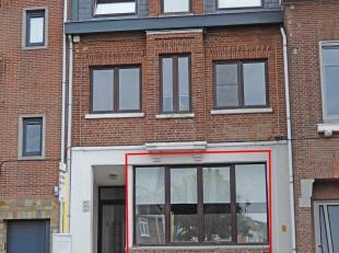 Dit mooi verzorgd appartement met één slaapkamer is gelegen op wandelafstand van het centrum. Uw fiets parkeert u veilig in de kelder. E