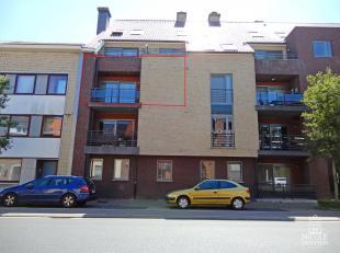 Dit luchtig appartement op de tweede verdieping is gelegen in het hartje van Maaseik, op wandelafstand van het centrum van de stad. Het appartement is