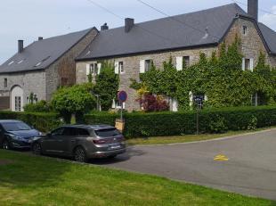 Gîte d'exception dans un des plus beaux villages (Falmagne) de la vallée de Dinant. Idéalement situé sur une superbe place