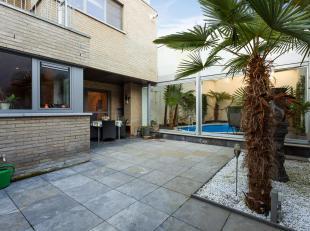 """Dit gelijkvloers appartement maakt onderdeel uit van de mooie residentie """"Kloosterhof"""" gelegen in het centrum van Bree! Het appartement beschikt over"""