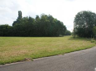 BOUWGROND VOOR OPEN BEBOUWING gelegen te Hasselt met een oppervlakte van 1106m² (lot 10). Gelegen in een rustige straat op enkele minuten van het