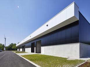 Industriehal van 160m² gelegen op het industrieterrein Genk- Zuid. Goede bereikbaarheid van de snelwegen E313 (Antwerpen - Luik) en de E314 (Brus
