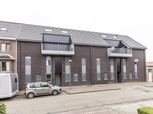 In deze prachtige nieuwbouw residentie in Heusden-Zolder, gelegen in een rustige straat is deze ruime duplex met terras te huur.<br /> Indeling Duplex