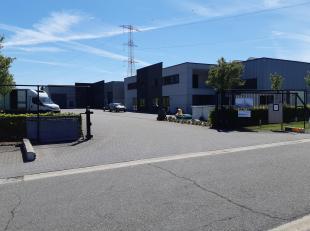 TE KOOP: 3 MOOIE KMO-UNITS OP BEDRIJVENPARK 'STEENOVEN'<br /> Op bedrijvenzone Borgveld werd recent bedrijvenpark 'Steenoven' opgericht.<br /> Op deze