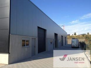 Bedrijfsunit met kantoor van 150m², gelegen op het industrieterrein Genk- Noord. Goede bereikbaarheid van de snelwegen E313 (Antwerpen - Luik) en