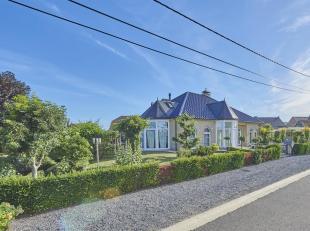 Op de Heikantweg 2 te Neeroeteren vinden we deze prachtige vrijstaande en instapklare villa terug op een oppervlakte van 917 m². Deze mooie wonin