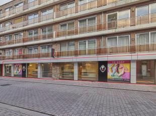 Dit handelsgelijkvloers in 'Residentie Molenvijver' beschikt over een prachtige etalage van bijna 25m breed en een oppervlakte van 325m². Het is