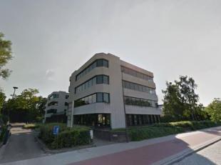 Goed gelegen kantoorgebouw in de zuidrand van Antwerpen.