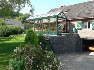Cette belle villa est située sur la colline de Vielsalm, dans une rue sans issue dans un quartier très calme. Cette propriét&eacu