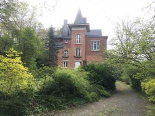 À Priesmont, près de Vielsalm, se trouve ce beau petit château construit en 1898. Des rénovations majeures ont ét&ea