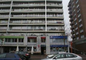 Dieplaan , Genk Gelegen in het centrum van Genk. 4 verzorgde appartementen welke zijn verhuurd. Twee tweeslaapkamer appartementen en twee é&eac