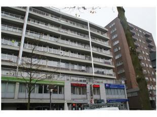 Het appartement is gelegen in het centrum van Genk. Alles is op wandelafstand. Goede bereikbaarheid. In het centrum. Heel net onderhouden appartement.