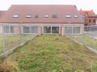 Hedendaagse woning met 3 slaapkamers nabij het centrum van Kuurne.<br /> Deze woning is gelegen in de Leiestraat, werkelijk om de hoek van het centrum