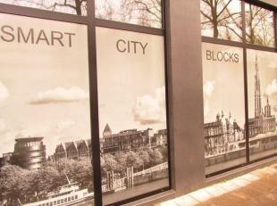 Grote, nette en hoogwaardig afgewerkte studentenkamer in Smart City Blocks te 2000 Antwerpen, Italiëlei 15<br /> <br /> Indeling: leefruimte met