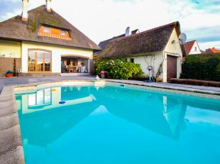 Zeer goed onderhouden villa met zwembad en verwarmd met warmtepomp, met vlotte bereikbaarheid van invalswegen !<br /> <br /> Charmant decor met sfeerv