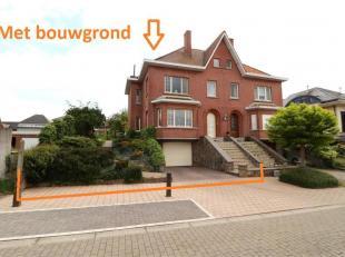 Voor een bezoek of meer info 054/69.39.34 - In een verkeersluwe straat te Voorde bevindt zich deze instapklare woning op een perceel van 7 a 01 ca. He
