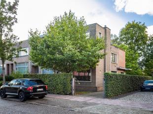 Prachtige charme woning gelegen op een absolute toplocatie in Brasschaat, voor het dorp en vlakbij Vriesdonk.<br /> De woning is volledig ontworpen do