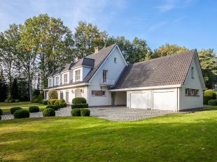 Villa gelegen op wandelafstand van het centrum van Schilde.<br /> Charmante te moderniseren villa op absolute toplocatie. Vlakbij het centrum van Schi