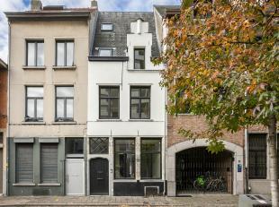 Gerenoveerd traditioneel breedhuis uit de 16de eeuw.<br /> Deze woning werd dit jaar volledig gerenoveerd met kwaliteitsvolle materialen en met respec