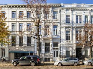 Karakteristieke kantoorruimte van ca 100 m² in een authentieke herenwoning inde Leopold de Waelstraat.<br /> Deze locatie, vlakbij het Museum voo