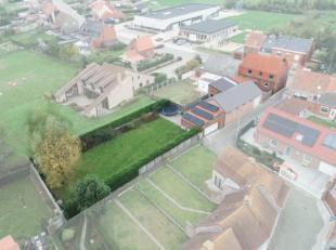 Instapklare woning met 4 slpks., garage en tuin, op 772m².Bekijk onze simulaties en plattegronden voor optimale inleving.Deze woning is zeer ruim