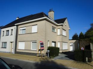 Deze zeer ruime halfopen bebouwing is gelegen in het landelijke 9310 Moorsel, Kruisabeelstraat 116, en begrijpt volgende ruimten: inkomhal, traphal, w