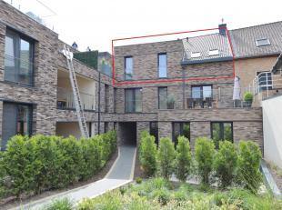 Aangenaam NIEUWBOUW APPARTEMENT met drie slaapkamers, gelegen op het 2de verdiep met eenzonnig terras van9 m², uitstekend gelegen op wandelafstan