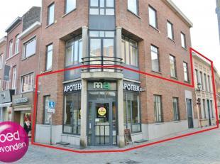 Centraal gelegen handelspand bestaande uit de voormalige apotheek in de Maastrichterstraat 37 + een kantoorpand in de Kielenstraat 2, beide panden zij