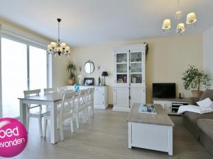 Mooi gerenoveerd appartement met 2 slaapkamersen kelderberging, centraal en rustig gelegen met alles op wandelafstand.<br /> LIFT aanwezig.<br /> Het