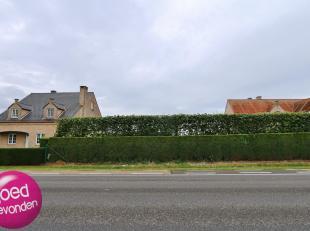 Mooie bouwgrond voor<br /> open bebouwingmet tuin, uitstekende zuid-gerichte ligging met open zicht over achterliggende velden.<br /> Perceeloppervlak