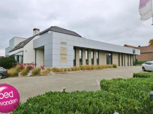 Encore 4 bureaux de 25 m² chacun, à votre disposition dans ce complex professionel qui est un centre medical à proximité de