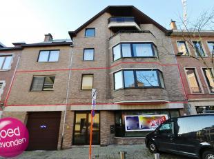 Prachtig appartement met 3 à 4 slaapkamers, grotegarage voor 2 wagensachter elkaar, zonnig terras van maar liefst 50 m², centraal en rusti