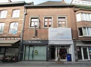 Goed gelegen, opgefriste handelsruimte vlakbij de Markt te Tongeren Hemelingenstraat. Voor meer info of een bezoek aan dit pand kan u telefonisch cont
