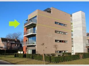 Dit modern appartement is gelegen op de derde verdieping aan de achterzijde in residentie De Schaetzengaerde. Mooi uitzicht op groen, rustig en ideaal