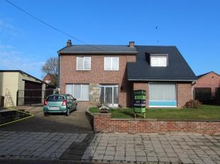 Deze vrijstaande woning is gelegen in een rustige straat in Rutten, een landelijke omgeving op 5 minuten van het stadscentrum.<br /> INDELING: mooie i