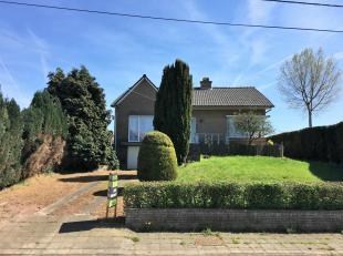 Deze woning is rustig gelegen in het landelijke Rutten en heeft een mooie tuin met vrij uitzicht over omliggend weiland.<br /> De woning is op te knap