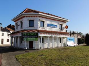 HANDELSHUIS, voorheen jarenlang uitgebaat als gekend Grieks restaurant.<br /> Aanwezige stedenbouwkundige vergunning voor verbouwing naar bistro!<br /