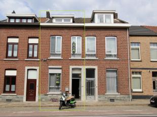 Deze woning is in de stadsrand van Tongeren gelegen, op wandelafstand van het station en winkels.<br /> Mooie indeling en voldoende ruim!<br /> INDELI