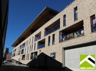 Dit recent penthouse is gelegen op de derde verdieping met terras van in totaal 92m² en ideaal gericht naar het zuiden!<br /> Gemeenschappelijke