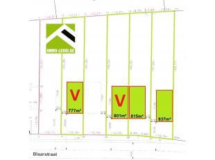 Deze bouwpercelen zijn mooi gelegen aan de vernieuwde Blaarstraat, tegenover de Ambiorixkazerne en op korte afstand van het stadscentrum en station.<b