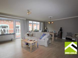 Dit appartement is gelegen op de tweede verdieping links; mooi gelegen in het stadscentrum, makkelijk bereikbaar en vlakbij het Begijnhof.<br /> Gelij