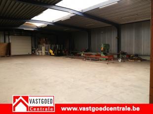 Het gaat hier om een bedrijfshal van 280 m² gelegen op de Indiustrieweg 16B te Tongeren (Overhaem).  Vrij vanaf 1 september 2018.  Parkeermogelij