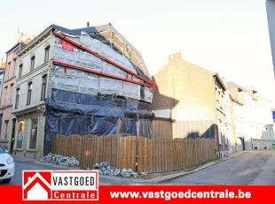Bouwgrond met mogelijkheden in het centrum van Tongeren.  Gelegen op 50meter van de grote markt.<br /> Oppervlakte terrein is 99 m².  Meer info v