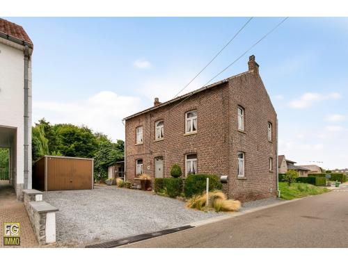 Maison à vendre à Hoeselt, € 140.000