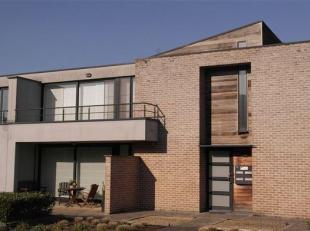 Mooi appartement in het centrum, 2 slaapkamers + garage<br /> Mooi appartement, zeer rustig gelegen en toch in het centrum van de stad Bilzen, vlak bi