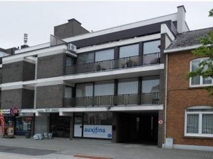 Degelijk gelijkvloersappartement met 2 kamers + bureelruimte + garage.<br /> Dit verzorgd appartement te kuringen bij Hasselt omvat een inkomhal,wc, l
